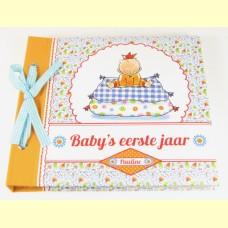 Baby's eerste jaar boek Pauline Oud